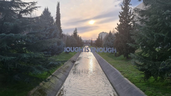 """""""Enough is Enough"""" former President Bush declaration on Kosovo appears in Tirana as an art installation"""